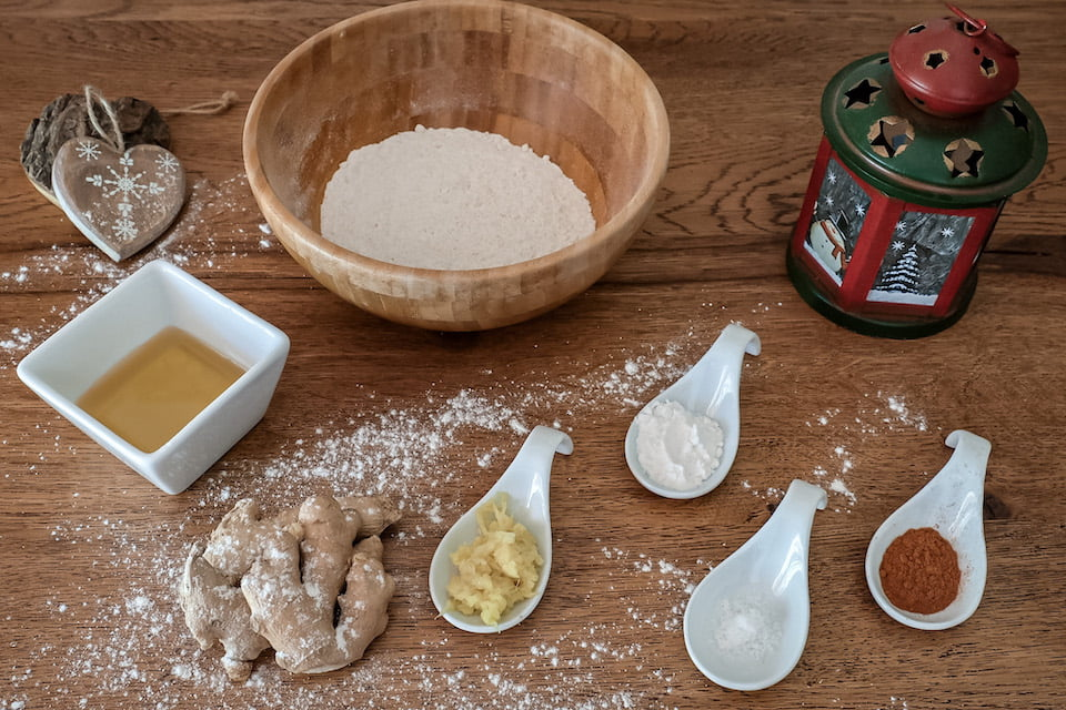 Ingredienti biscotti allo zenzero vegan