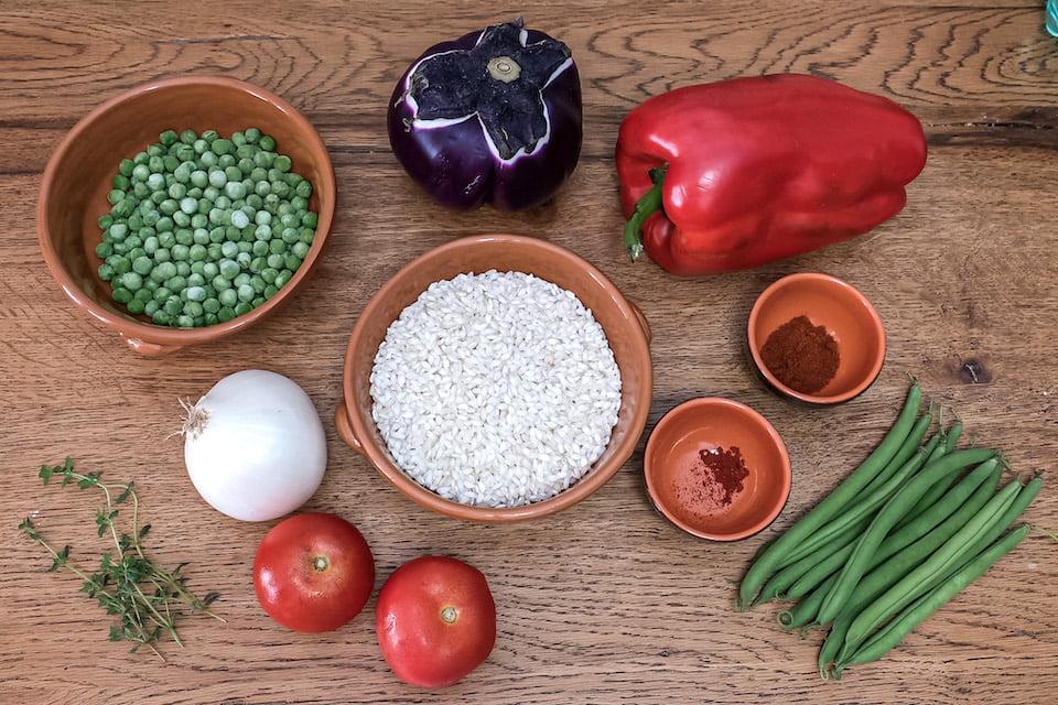 Ingredienti paella con verdure