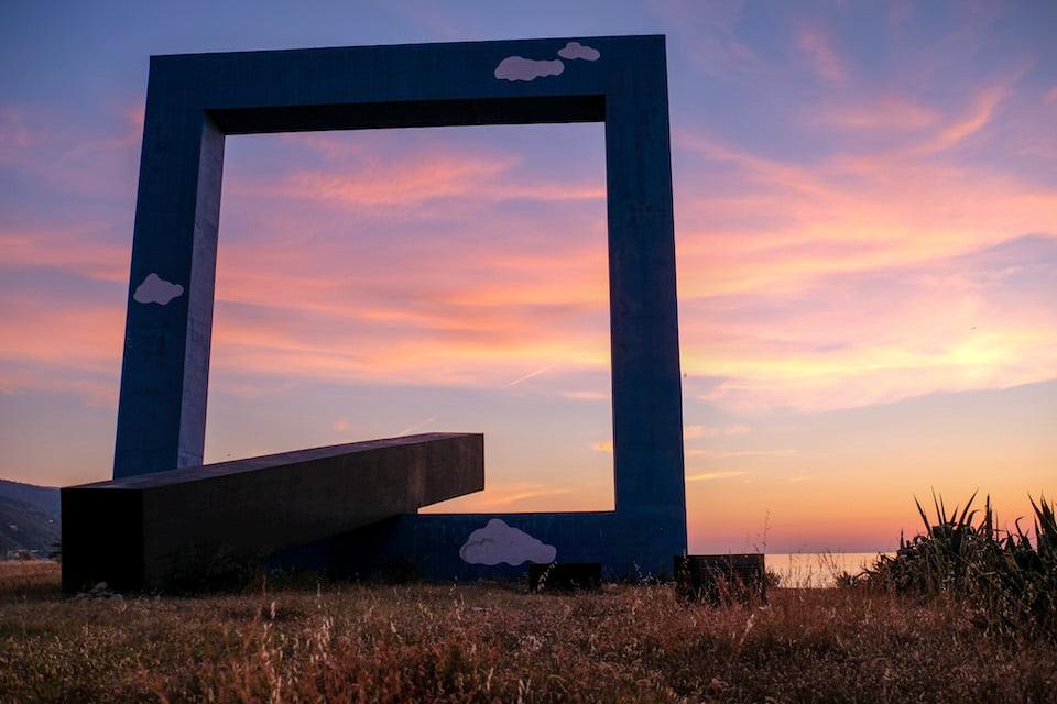 Monumento per un poeta morto